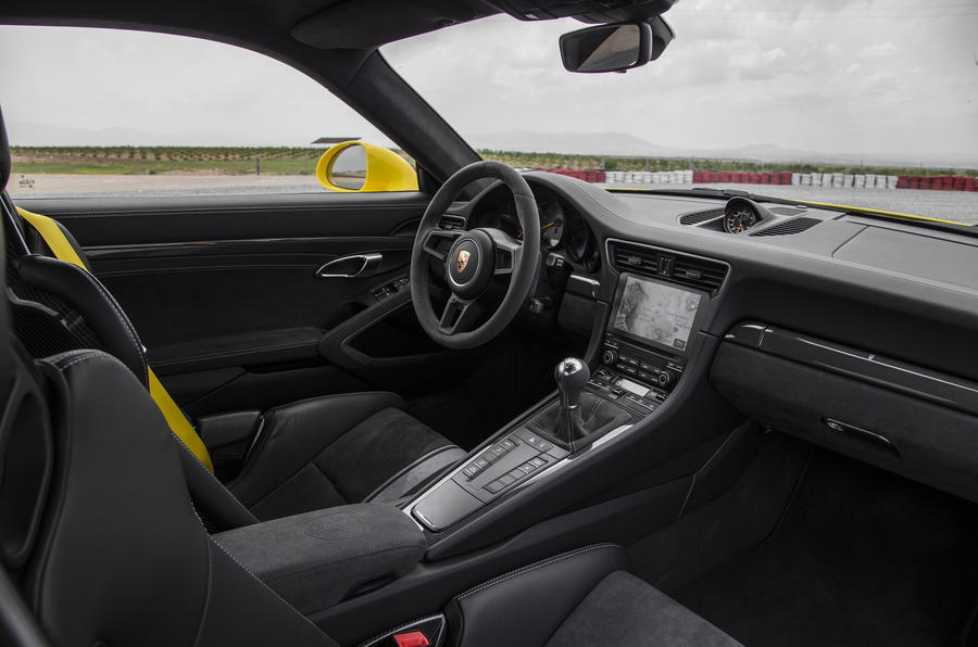 porsche 911 gt3 manual 2017 review autocar. Black Bedroom Furniture Sets. Home Design Ideas