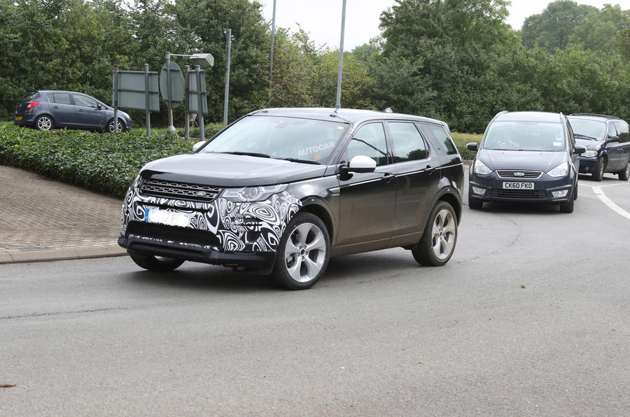 2018 Land Rover Discovery Sport facelift to get hybrid option