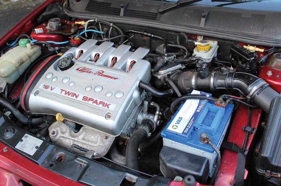 Alfa Romeo 145 Cloverleaf - engine