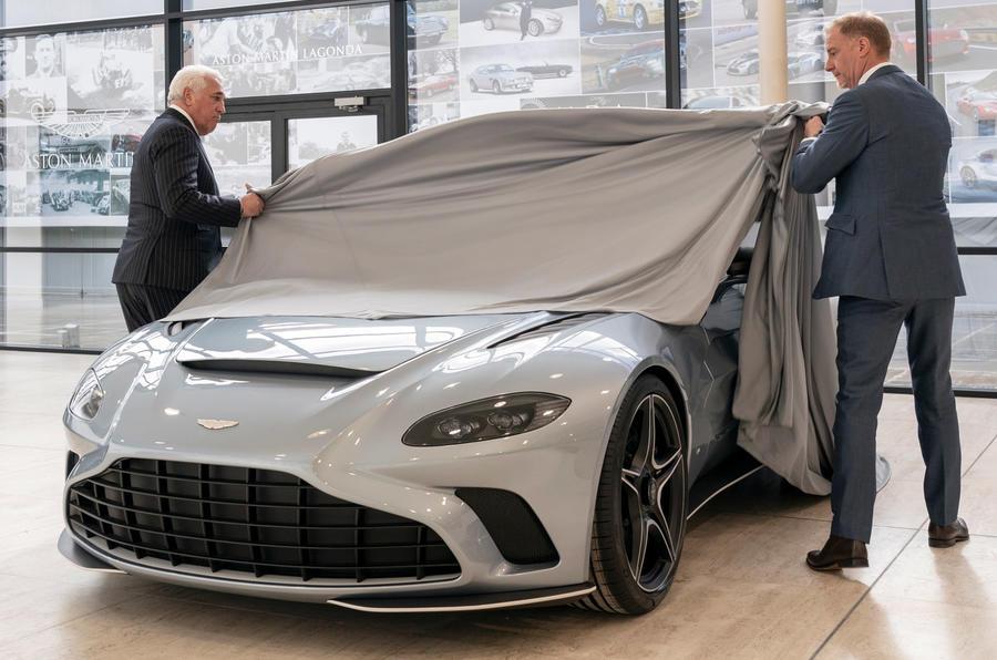 Aston Martin V12 Speedster - static front