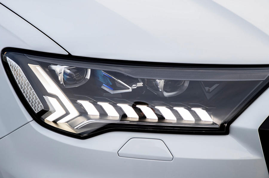 Audi Q7 TFSI e 2019 first drive review - headlights