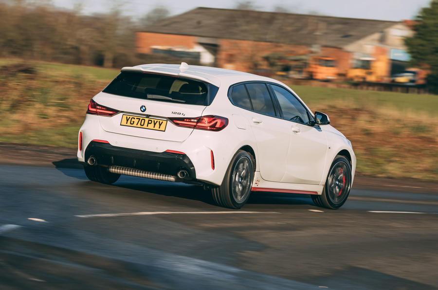 3 BMW 1 Série 128ti 2021 : le premier héros de l'examen de conduite au Royaume-Uni