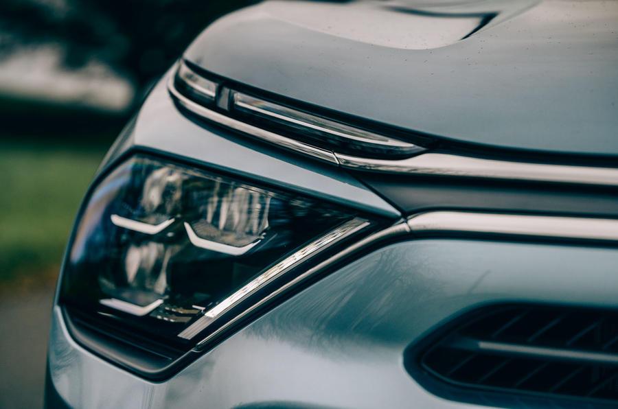 Citroen e C4 2020 LHD first drive review - headlights