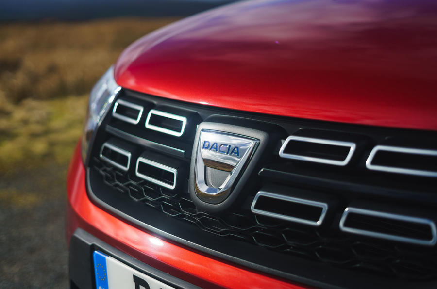 Dacia Sandero Stepway Techroad 2019 first drive review - bonnet badge