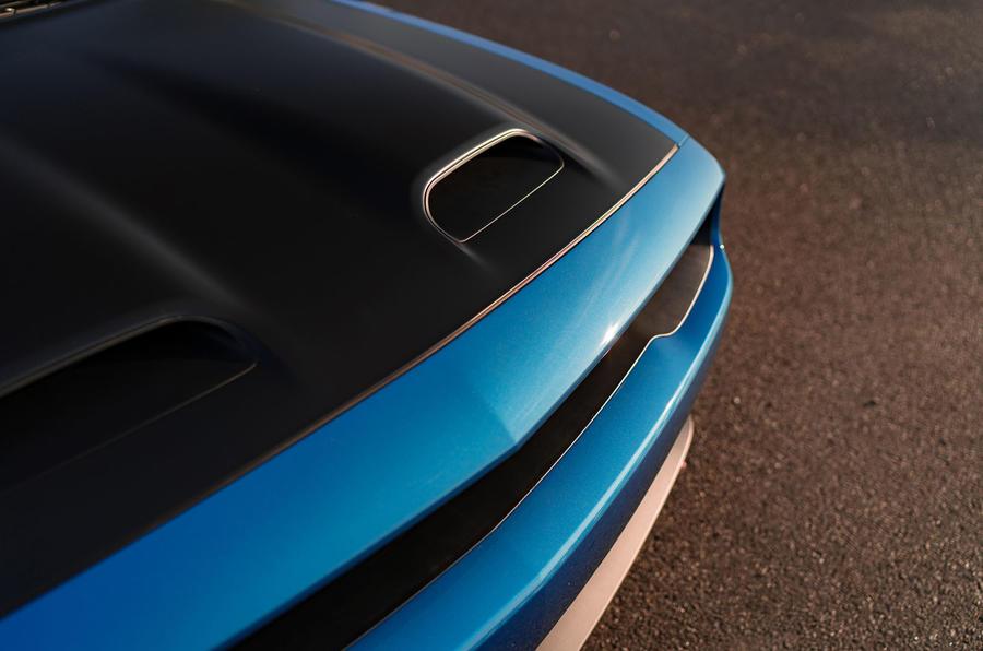 Dodge Challenger Hellcat Redeye Widebody 2018 first drive review - bonnet scoop