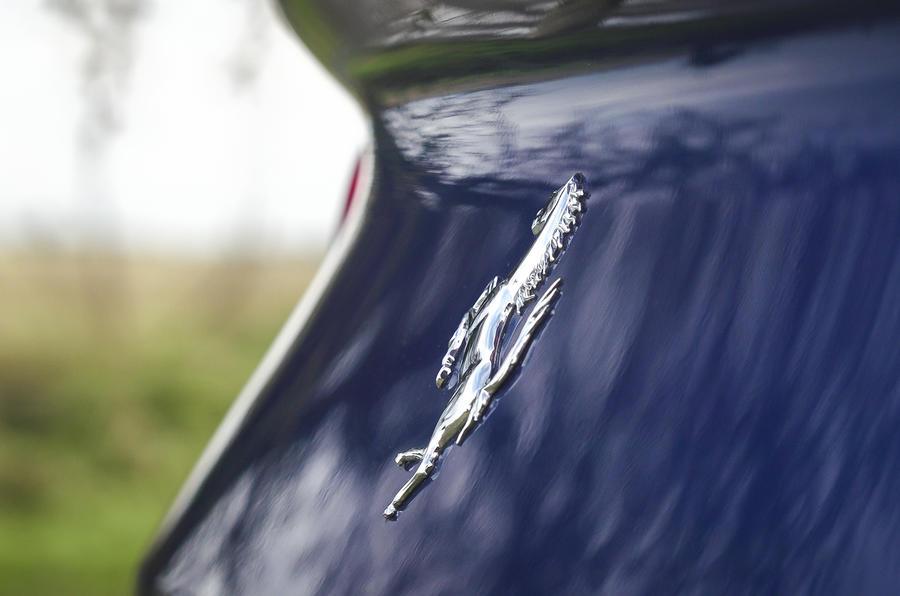 Ferrari 812 GTS 2020 : premier examen de conduite au Royaume-Uni - badge arrière