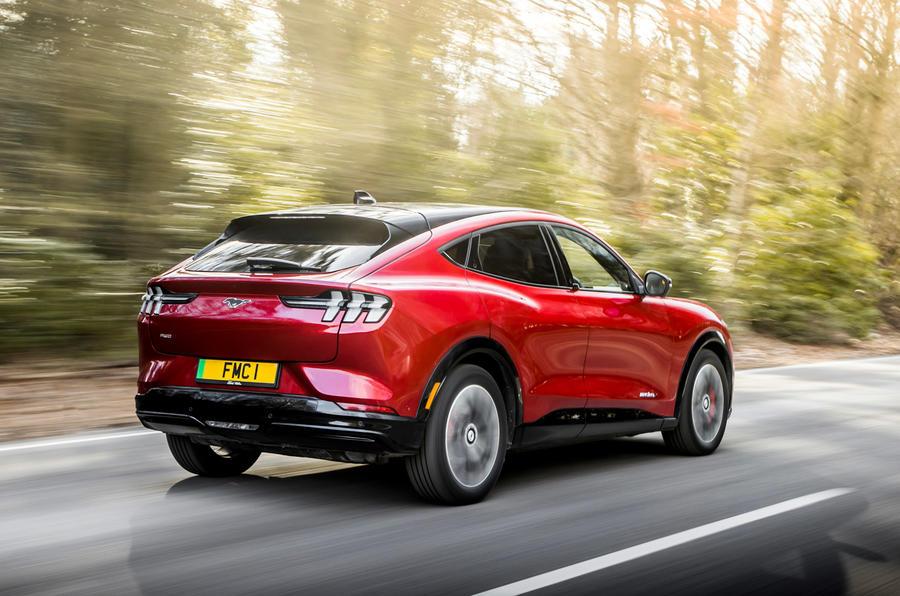 3 Ford Mustang Mach E 2021 UE : essai de conduite, essai arrière.