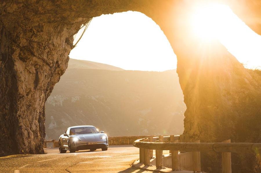 Game Changer 2020 Porsche Taycan - arch