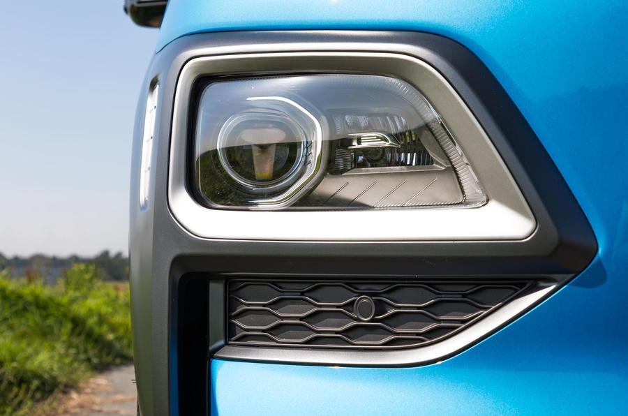 Hyundai Kona Hybrid 2019 first drive review - headlights