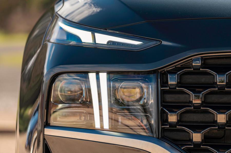 3 Phares du Hyundai Santa Fe PHEV 2021 UE FD