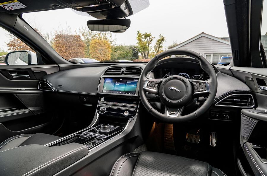Jaguar XE 20t 2018 UK first drive review - cabin