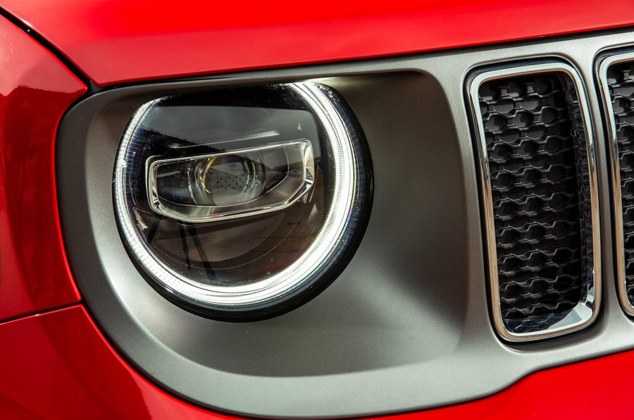 Jeep renegade Longitude 2019 UK first drive review - headlights