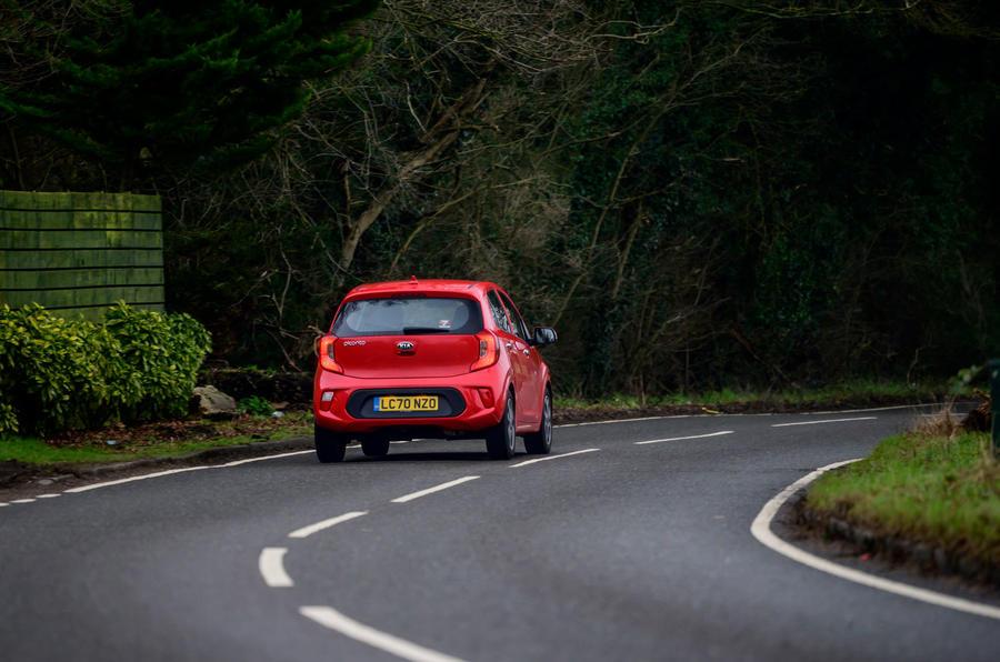 3 Kia Picanto 2021 : le premier héros de l'examen de conduite à l'arrière