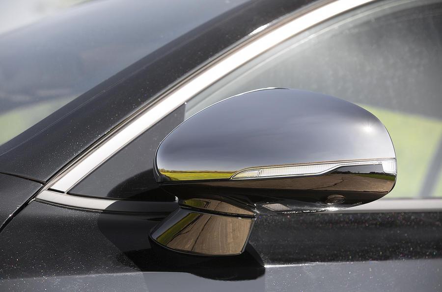 Kia Stinger 2.2 CRDi 2018 UK review wing mirrors