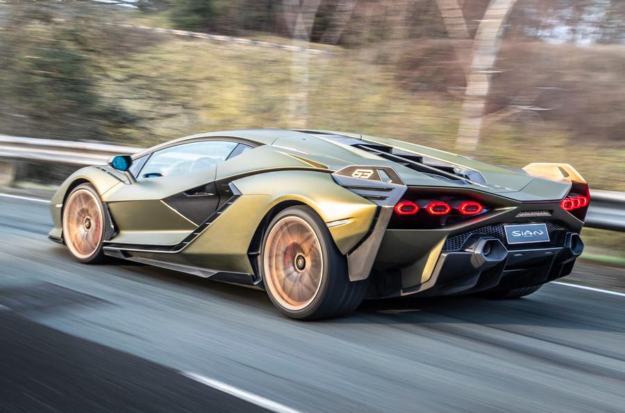 3 Lamborghini Sian 2021 : le premier héros de l'examen de conduite au Royaume-Uni