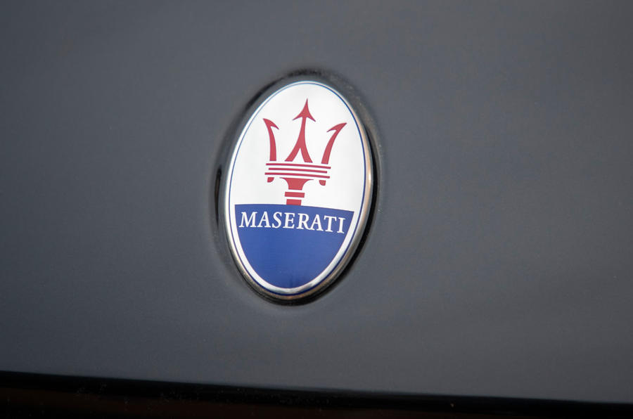 Maserati Levante GranSport V6 2018 first drive - bonnet badge