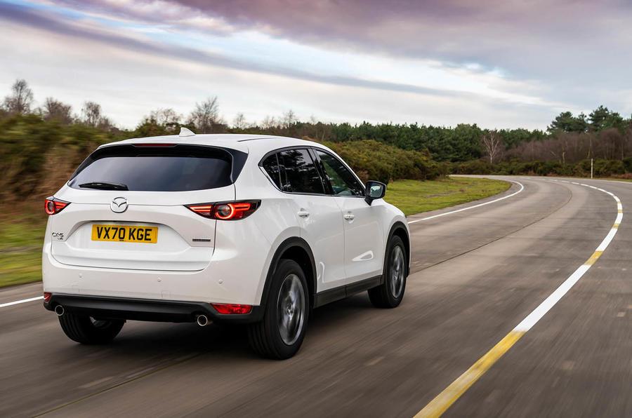 3 Mazda CX 5 2021 : le premier héros de l'examen de conduite britannique à l'arrière