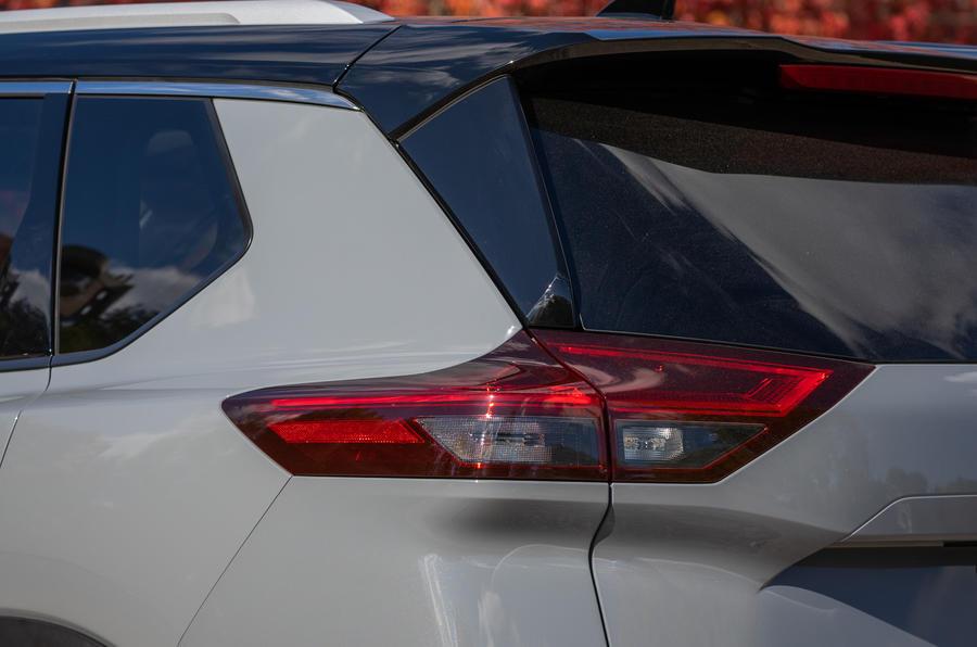 3 Nissan Rogue 2021 USA FD feux arrière