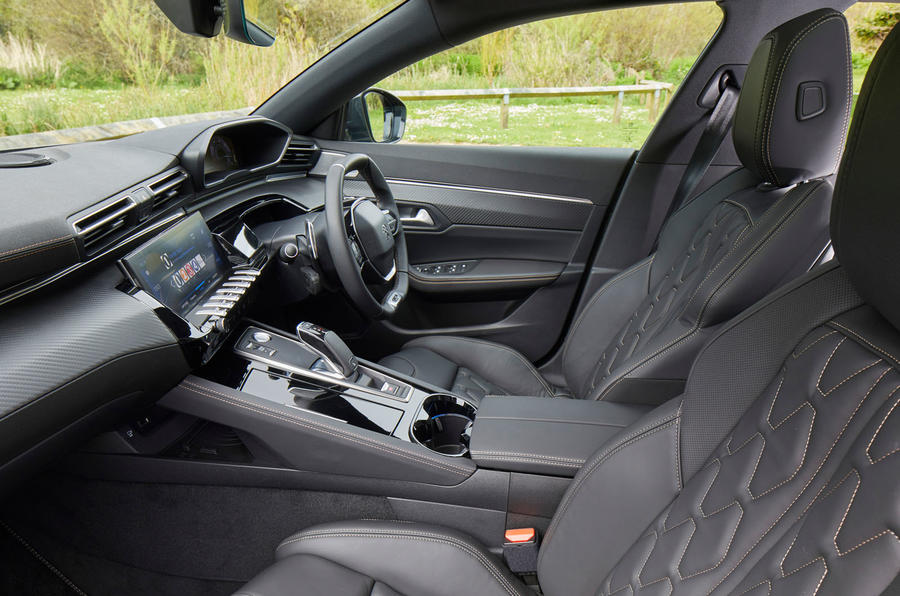 Peugeot 508 SW PureTech 225 GT 2019 UK first drive review - cabin