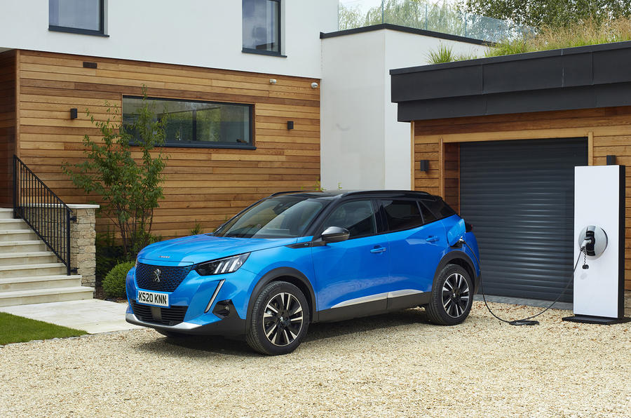 Peugeot e-2008 2020 UK first drive review - charging