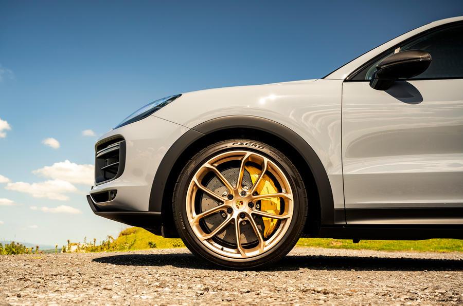 3 Porsche Cayenne Turbo GT 2021 UE FD roues en alliage