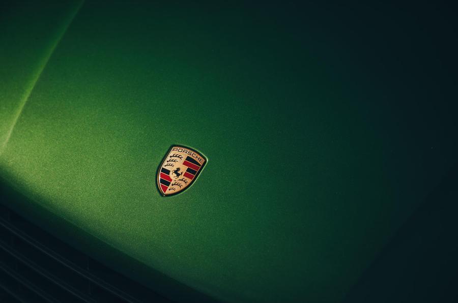 Porsche Macan 2019 first drive review - bonnet badge