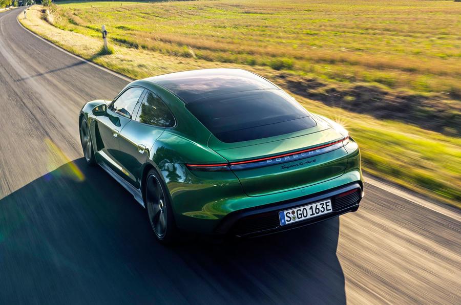 2019 - [Porsche] Taycan [J1] - Page 15 3-porsche-taycan-turbo-s-2020-fd-hero-rear