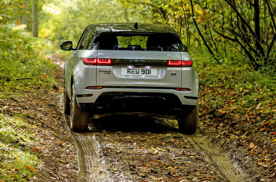 Range Rover Evoque 2019 official reveal - offroad rear
