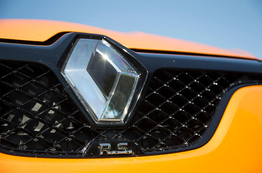 Renault Megane RS 2018 UK first drive bonnet badge