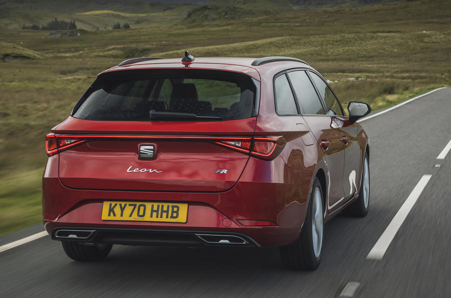 3 chỗ ngồi Leon Estate FR 2021 Anh hùng đánh giá lái xe đầu tiên phía sau