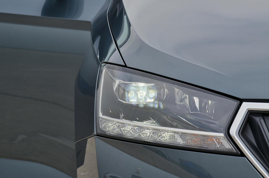 skoda fabia estate  headlight