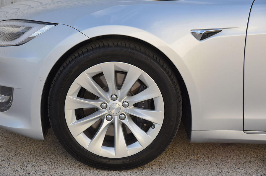 Tesla Model S 75D 2018 first drive review alloy wheels