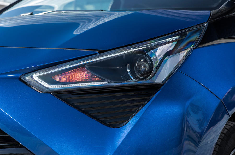 Toyota Aygo 2018 review headlights