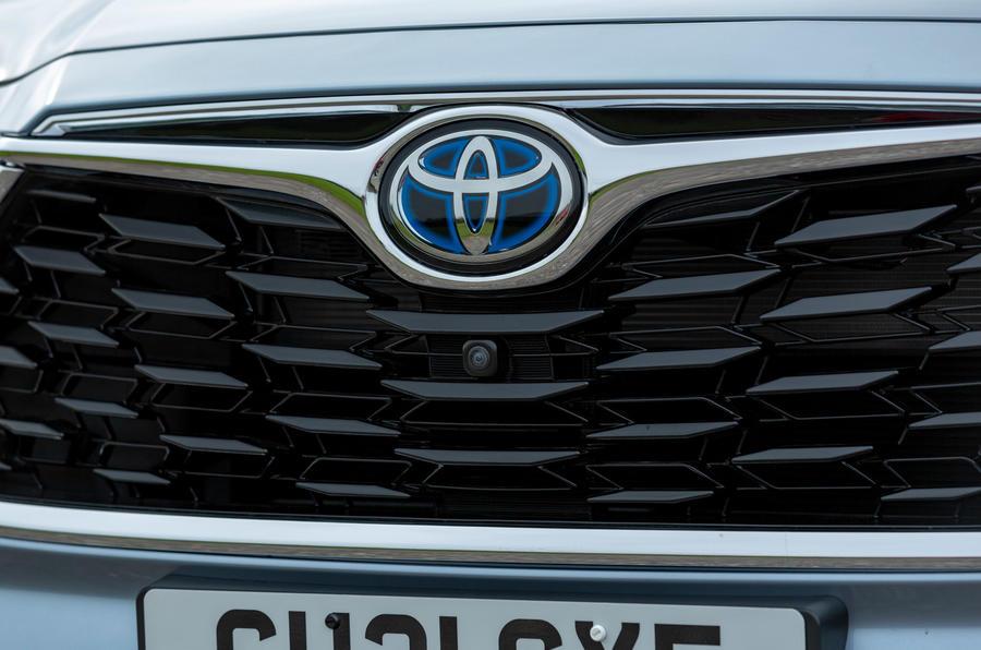 3 Toyota Highlander 2021 UE : premier essai, test du nez.