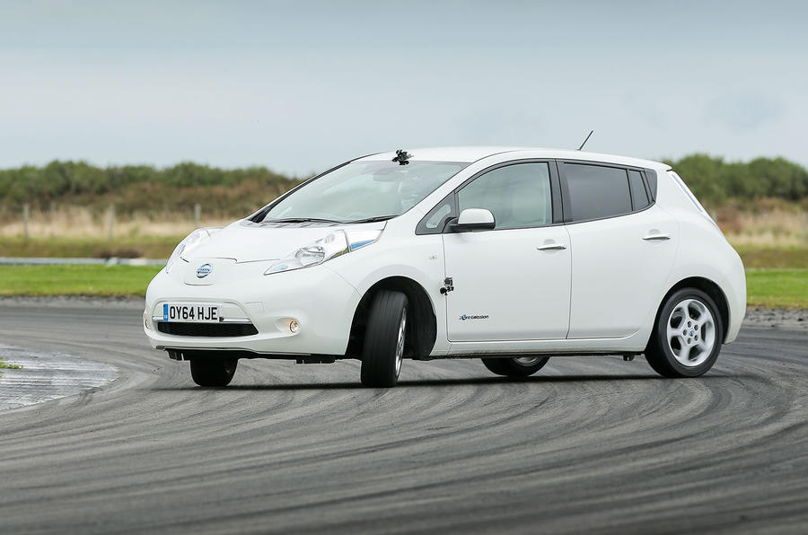 Nissan Leaf oversteer