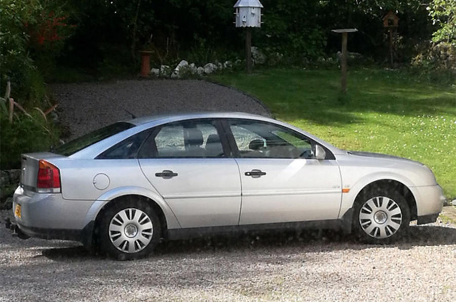 Vauxhall Vectra 2005 - static side