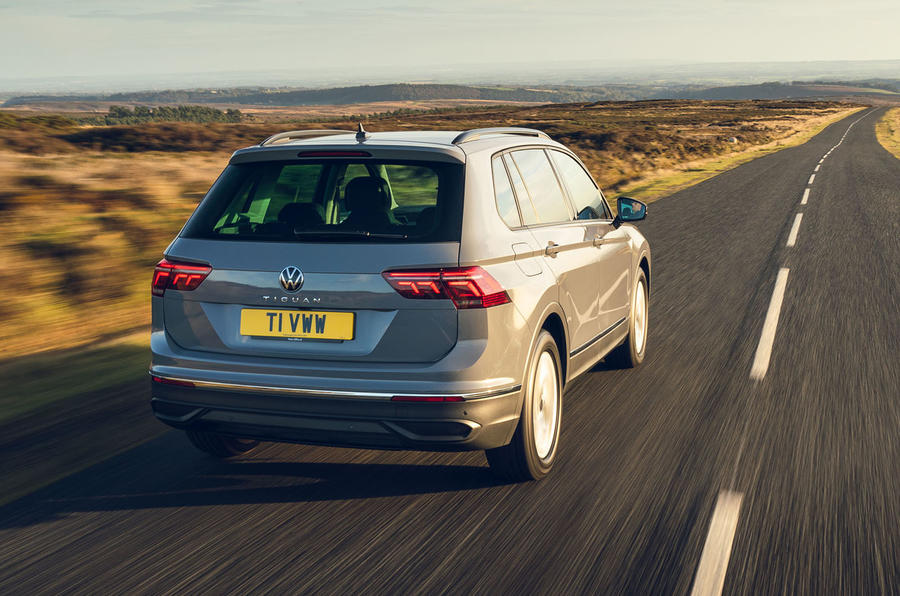 Volkswagen Tiguan Life 2020 : premier bilan de conduite au Royaume-Uni - le héros à l'arrière