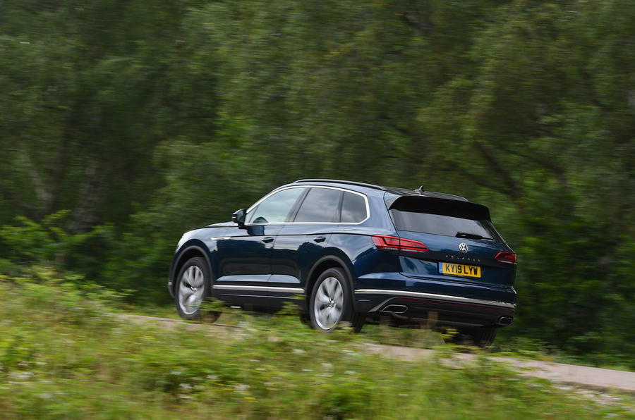 Volkswagen Touareg 3.0 TSI 2019 UK first drive review - hero rear