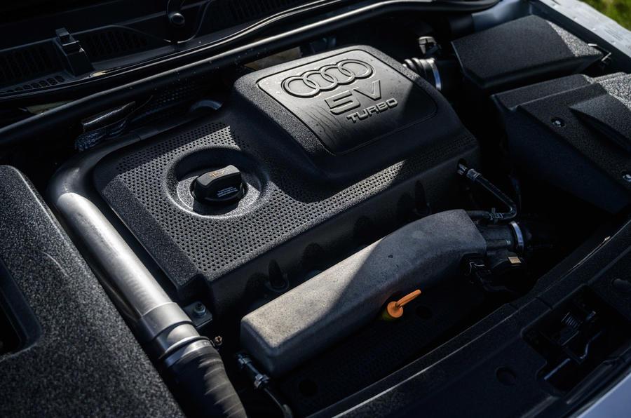Audi TT - engine