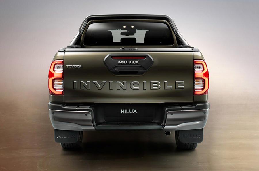 Toyota Hilux 2020 - static rear