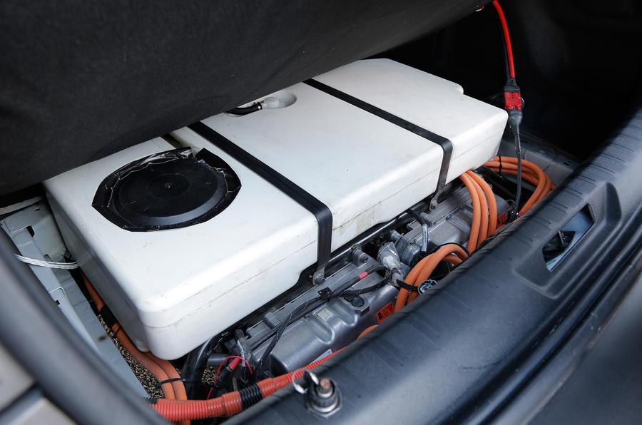 Peugeot 308 R Hybrid battery