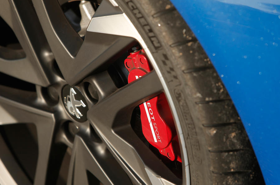 Peugeotsport red brake calipers