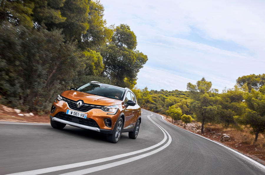 Renault Captur 2019 first drive review - cornering front