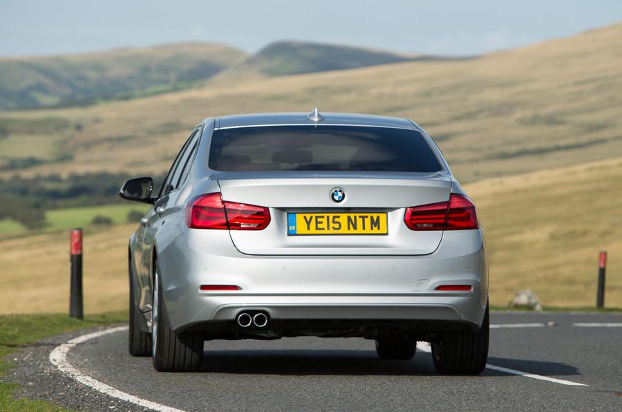 BMW 318i Sport rear cornering