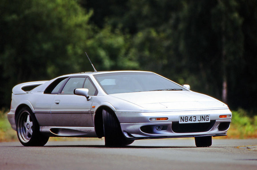 Lotus Esprit Sport 300 - tracking side
