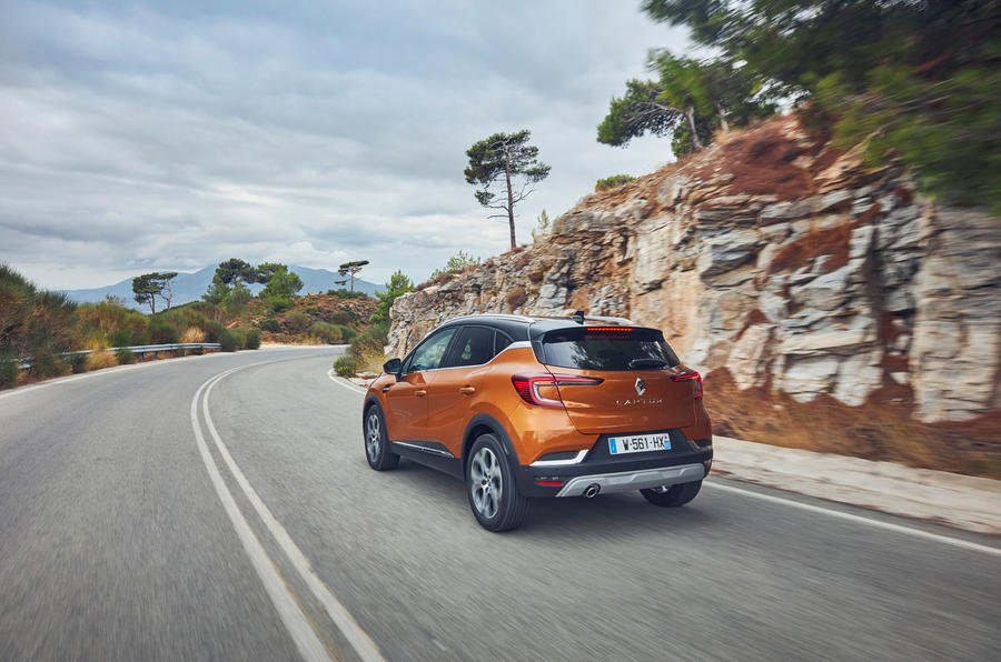 Renault Captur 2019 first drive review - cornering rear