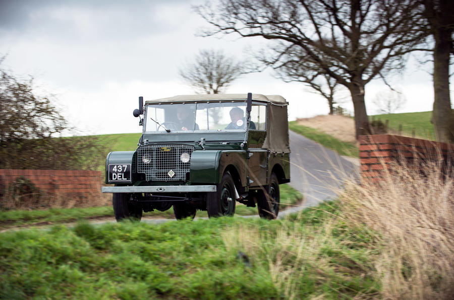 Land Rover Series 1 - tracking front