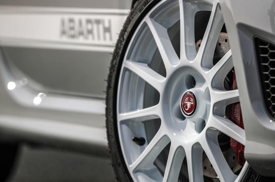 Abarth 595 Essesse 2019 first drive review - alloy wheels