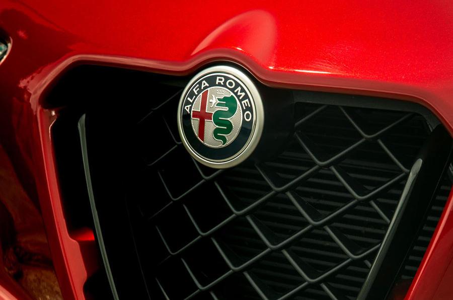 Alfa Romeo Stelvio Quadrifoglio 2020 : premier bilan de la conduite au Royaume-Uni - nez