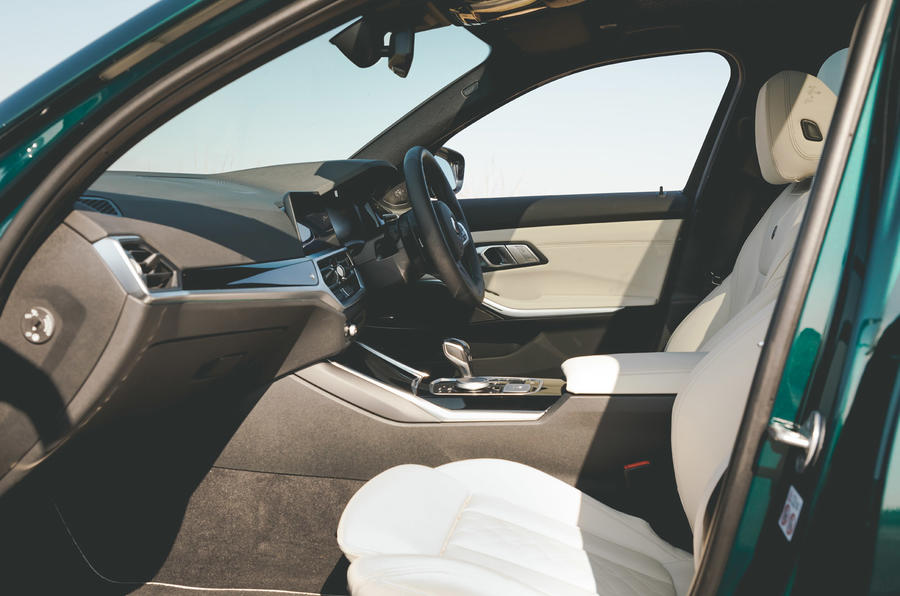 Alpina B3 Touring - interior